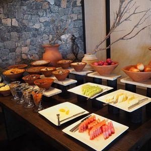 alila-jabal-akhdar-breakfast-buffet-fruit