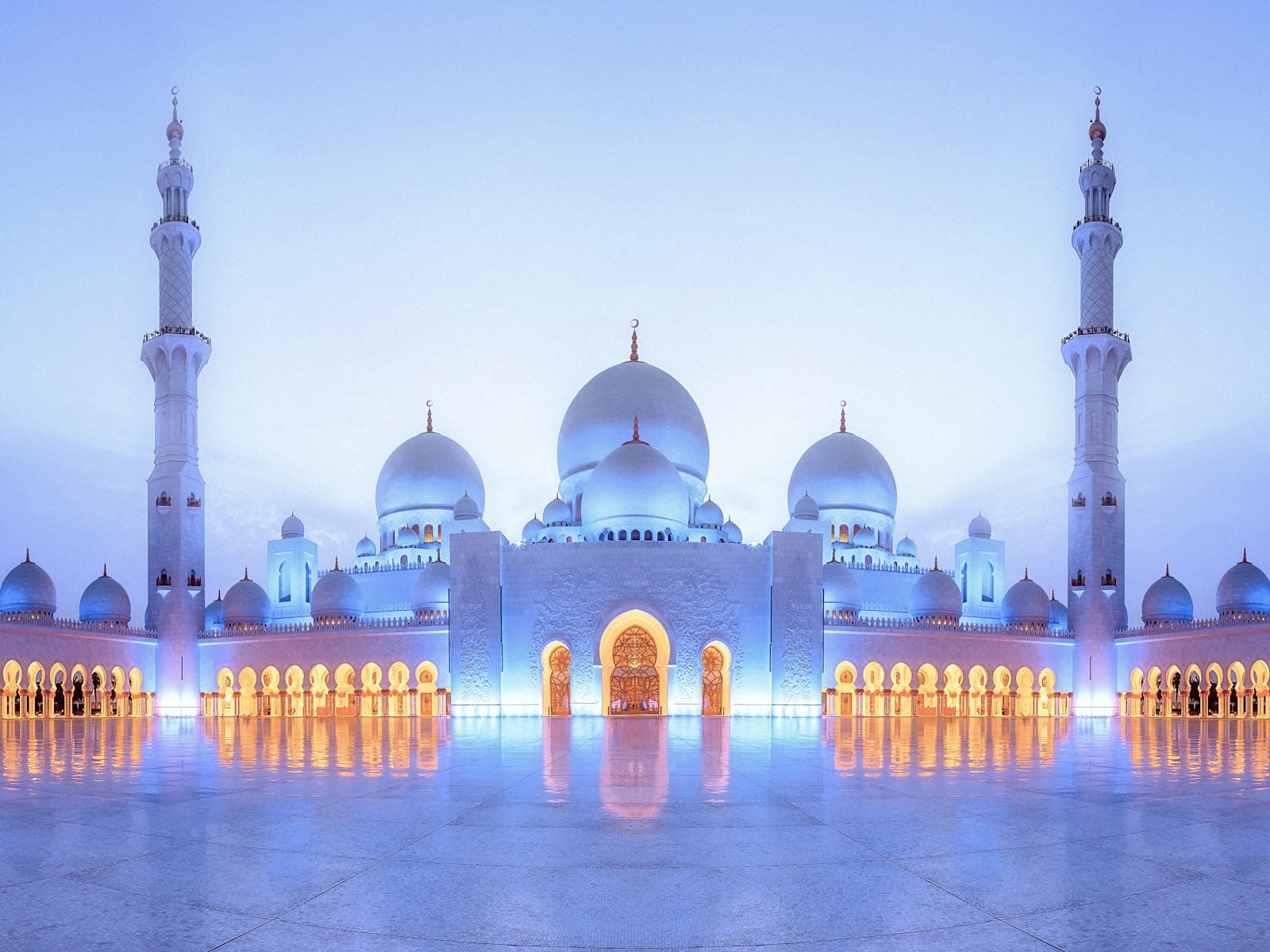 Blue evening light at the Sheikh Zayed Grand Mosque Abu Dhabi 1