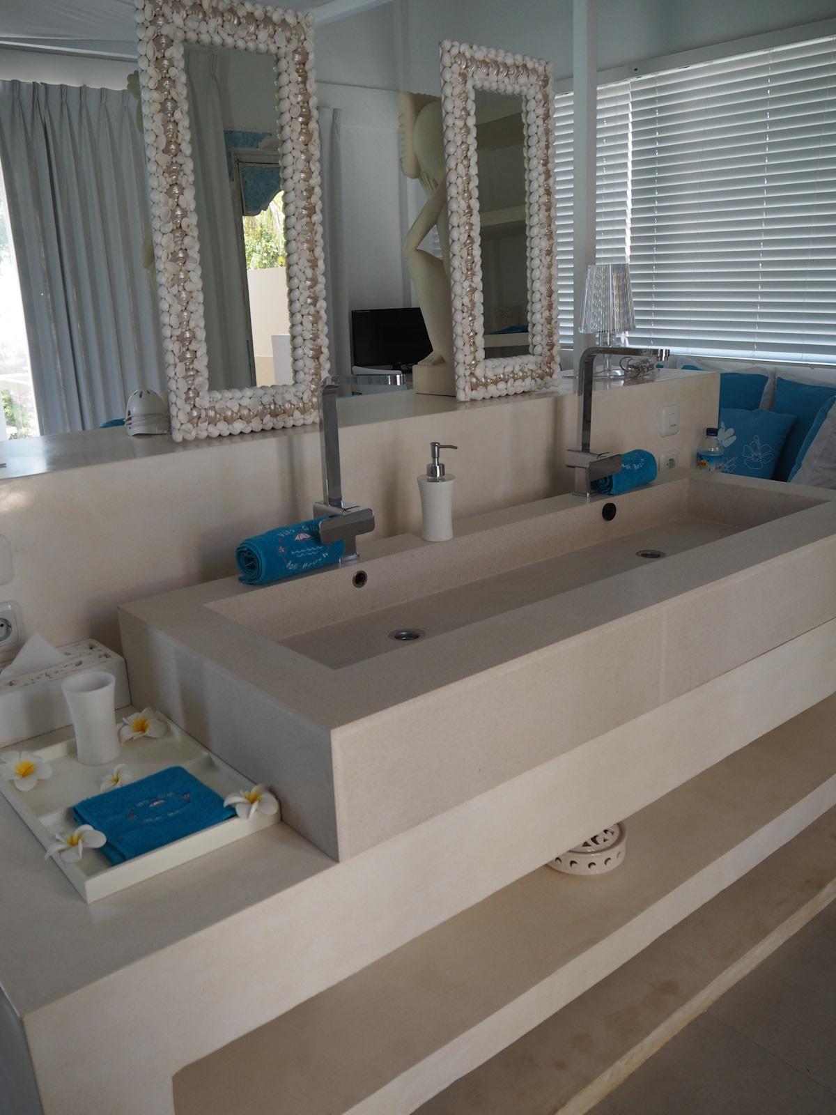 Sink in the bedroom at Villa Gili Bali Beach - Gili Trawangan Bali